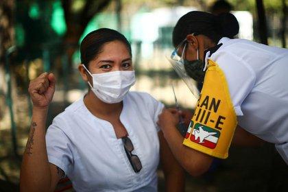 La jornada nacional de vacunación contra coronavirus ya acumula un total de 18,529 dosis aplicadas (Foto: Reuters / Edgard Garrido)