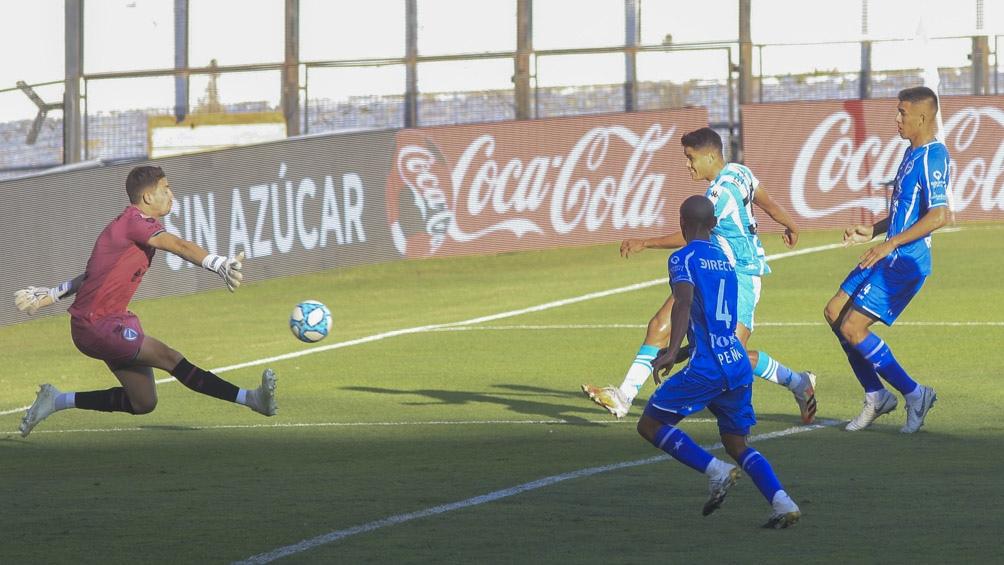 Racing goleó a Godoy Cruz en Avellaneda