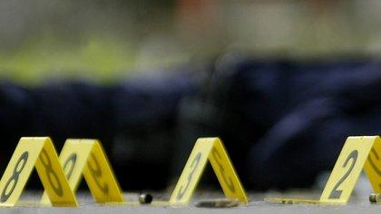 Al menos tres personas murieron este sábado y otras tres resultaron heridas en un tiroteo en un club de bowling en EEUU