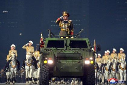 Kim Jong Un mandó el mensaje al próximo presidente de Estados Unidos, Joe Biden, de que proseguirá desarrollando programas militares prohibidos, si Washington no hace concesiones (KCNA via REUTERS)