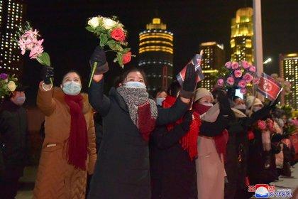 Corea del Norte cerró de inmediato sus fronteras el año pasado cuando el coronavirus apareció en China (KCNA via REUTERS)