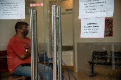 El hospital de Pinamar hisopa casos de síntomas graves y el centro de jubilados y pensionados local, los leves (Diego Medina)