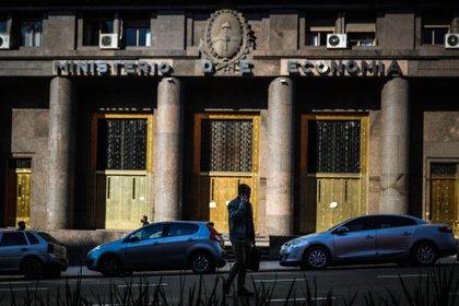 El Gobierno afrontará en los primeros dos meses del año vencimientos en pesos por $450.000 millones. (Foto: EFE/Juan Ignacio Roncoroni)
