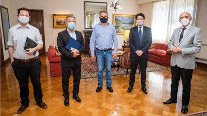 En su paso por la Argentina, el representante nacional en Israel y Chipre se reunió con varios funcionarios del Gabinete