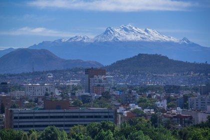 Los volcanes del Valle de México recibieron el 2021 con un incendio y una explosión (FOTO: JUAN PABLO ZAMORA/CUARTOSCURO.COM)