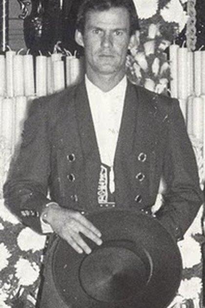 """Arruza debutó en 1971, heredero de la tradición rejoneadora de su padre """"El ciclón mexicano"""" (Foto: Instagram @capetillo_eduardo)"""