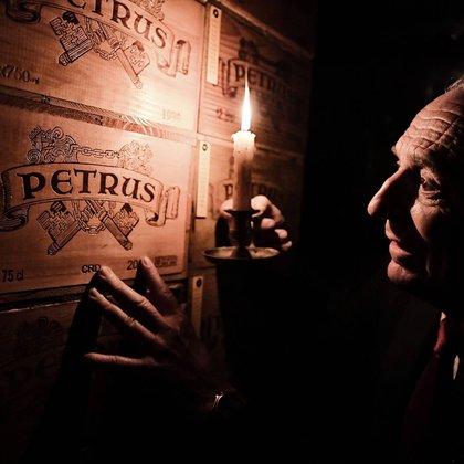 La bóveda de Michel-Jack Chasseuil tiene más de 40 mil botellas y está avalada en unos 40 millones de euros. En ella reposa los vinos más raros y caros del mundo, que jamás serán bebidos.Foto: Facebook