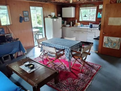 Cuenta con una cocina, comedor y media baño Foto: (Realtor)