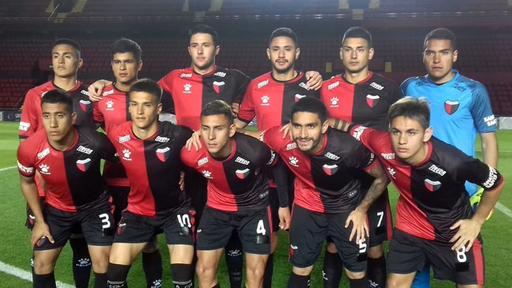Colón de Santa Fe, líder de la Zona A de la Copa de Liga, recibirá este domingo al irregular Godoy Cruz de Mendoza