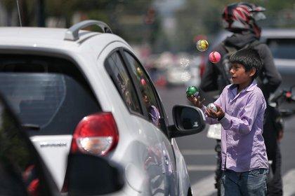 Imagen de referencia. A finales de 2020 más de 500.000 niños entre los 5 y 17 años trabajaron en Colombia. EFE/Sáshenka Gutiérrez