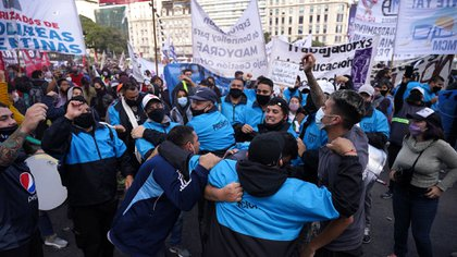Hubo tensión entre los manifestantes y la Policía (Franco Fafasuli)
