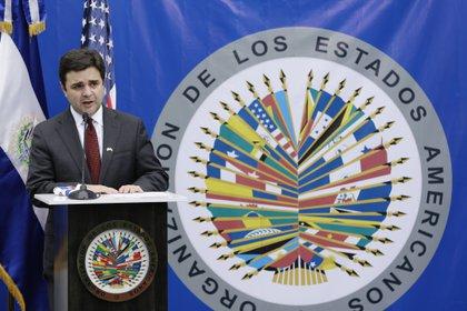 Imagen de archivo del enviado especial del Gobierno de Estados Unidos para el Triángulo Norte, Ricardo Zúñiga. . EFE/ Rodrigo Sura/Archivo