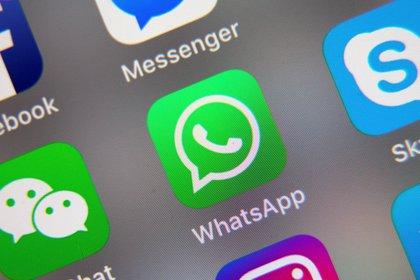 Según el Gobierno si el usuario no acepta las nuevas condiciones de WhatsApp, podría sufrir limitaciones de uso, hasta dejar de operar y perder todos los datos almacenados. EFE/EPA/RITCHIE B. TONGO