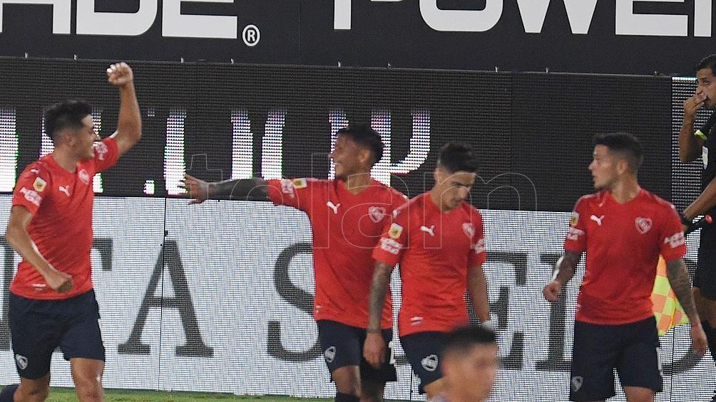 Independiente no tendrá en el banco al DT Julio Falcioni.