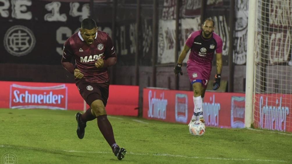 José Sand es la carta de gol de Lanús.