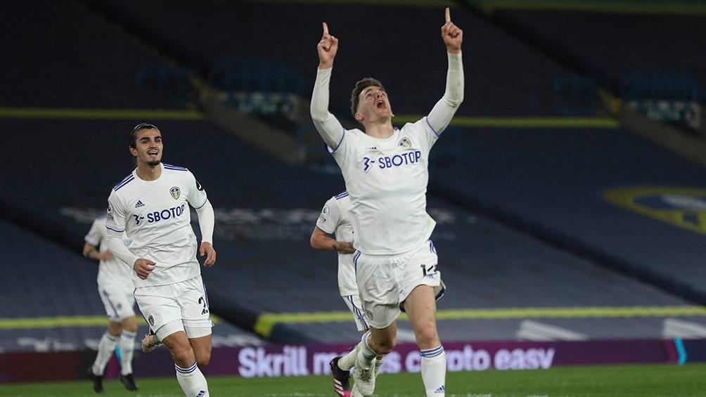 Leeds derrotó al Tottenham en el duelo que abrió la jornada de sábado de la Premier League (foto archivo)