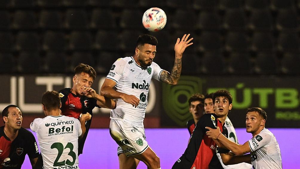 Newell´s y Sarmiento se enfrentaron en la última fecha de la Copa de la Liga Profesional.