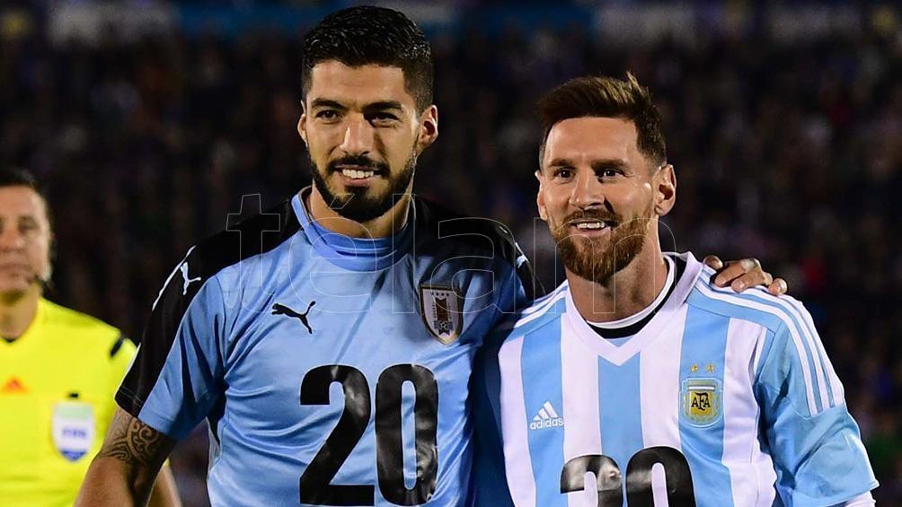 Lionel Messi y Luis Suárez: amigos y rivales (foto archivo).