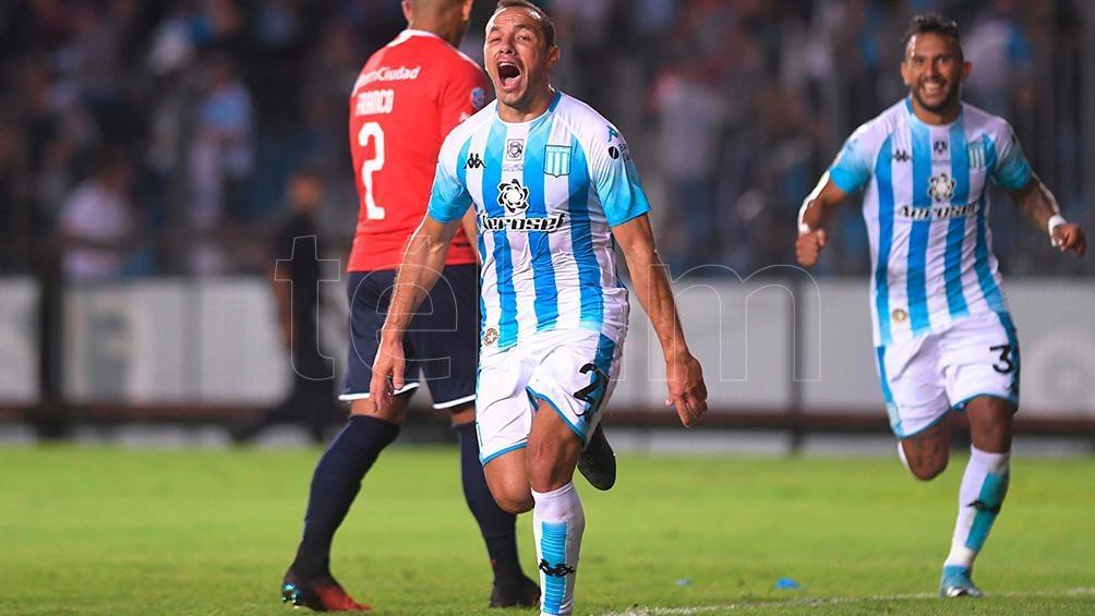 Marcelo Díaz grita su gol ante Independiente,