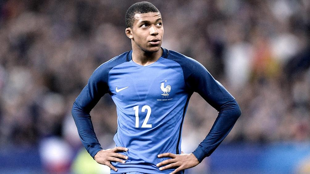 """Kylian Mbappé respondió a los dichos de Giroud diciendo que las pequeñas cosas no pueden perturbar nuestra preparación""""."""