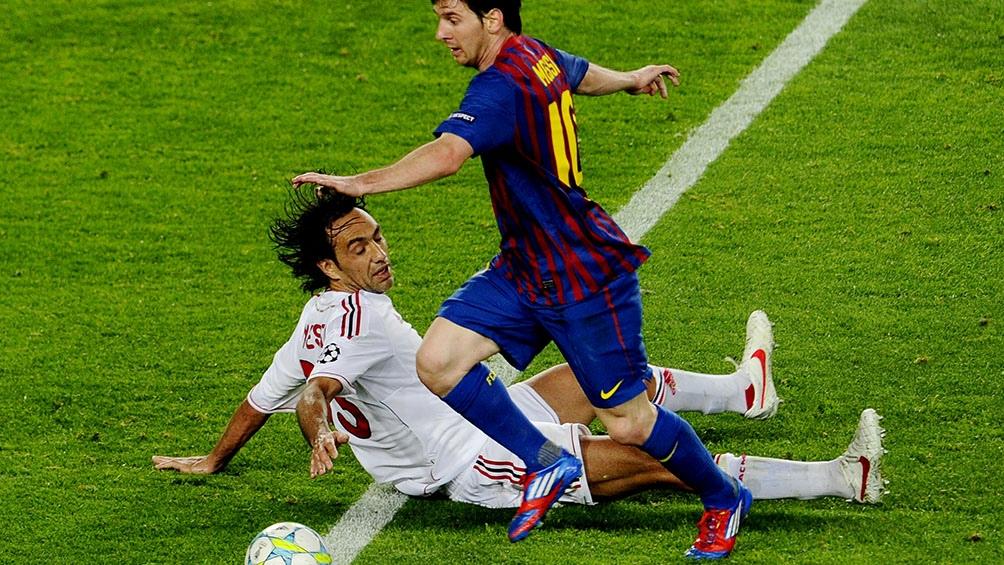 Messi tenía 18 años recién cumplidos cuando protagonizó la anécdota que ahora recuerda Nesta. Años después volvieron a cruzarse vistiendo las camisetas de Barcelona y Milan, respectivamente.