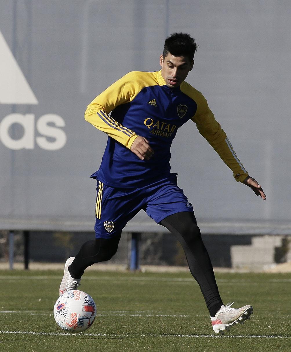 Juan Ramírez, el volante de 28 años que viene de San Lorenzo, participó de práctica.