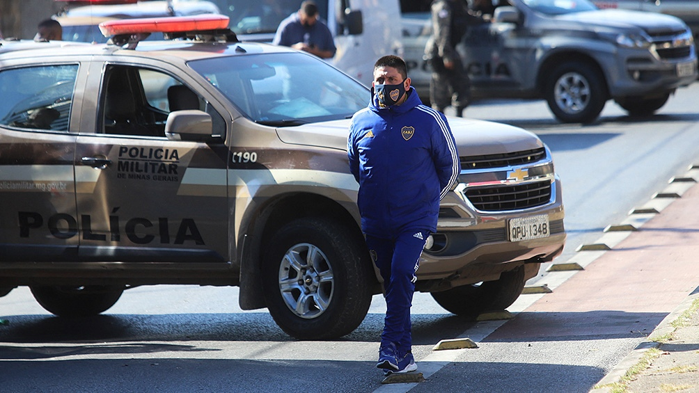 El regreso de Boca fue luego de delcrar ante la justicia de Brasil, tras el duelo ante Atlético Mineiro