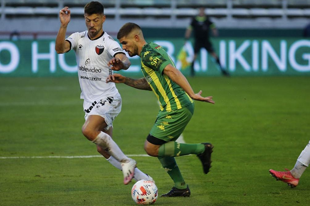 Aldosivi ratificó su gran presente con un contundente 3 a 0 sobre Colón. (Foto: Diego Izquierdo)