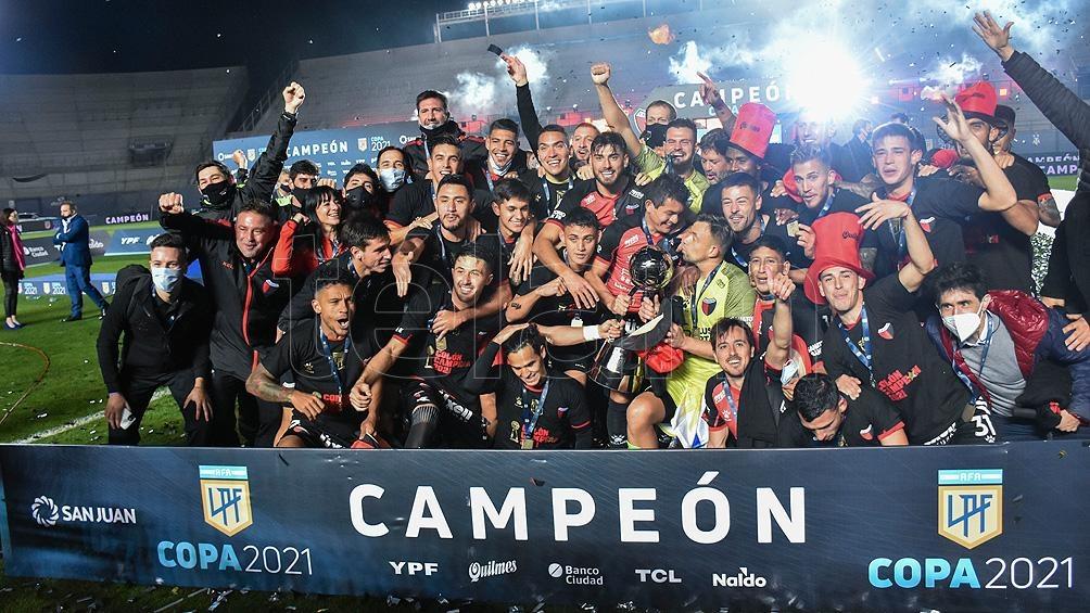 Colón de Santa Fe se adjudicó el primer trofeo de la Copa LFP