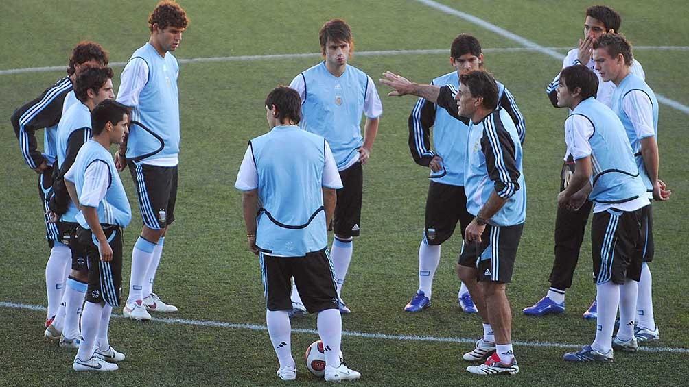 Tocalli, al frente de la Selección Nacional de Juveniles.