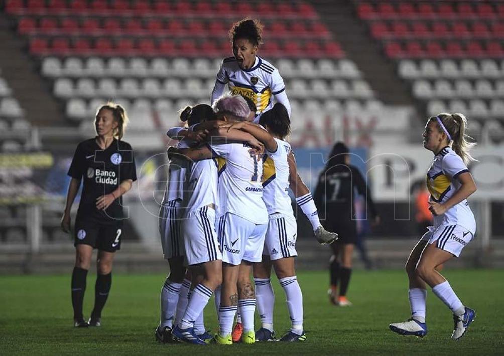 El torneo de fútbol femenino, que en esta temporada pasará a llamarse Torneo YPF. Foto: Ramiro Gómez.