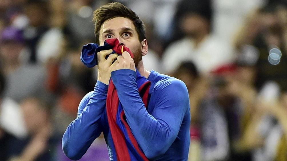 Messi compartió con amigos una cena de despedida del Barcelona.