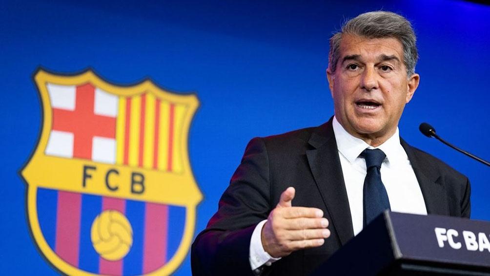 El presidente del Barcelona culpó a su antecesor Josep María Bartomeu de la crisis económica-financiera que llevó a la salida de Messi.