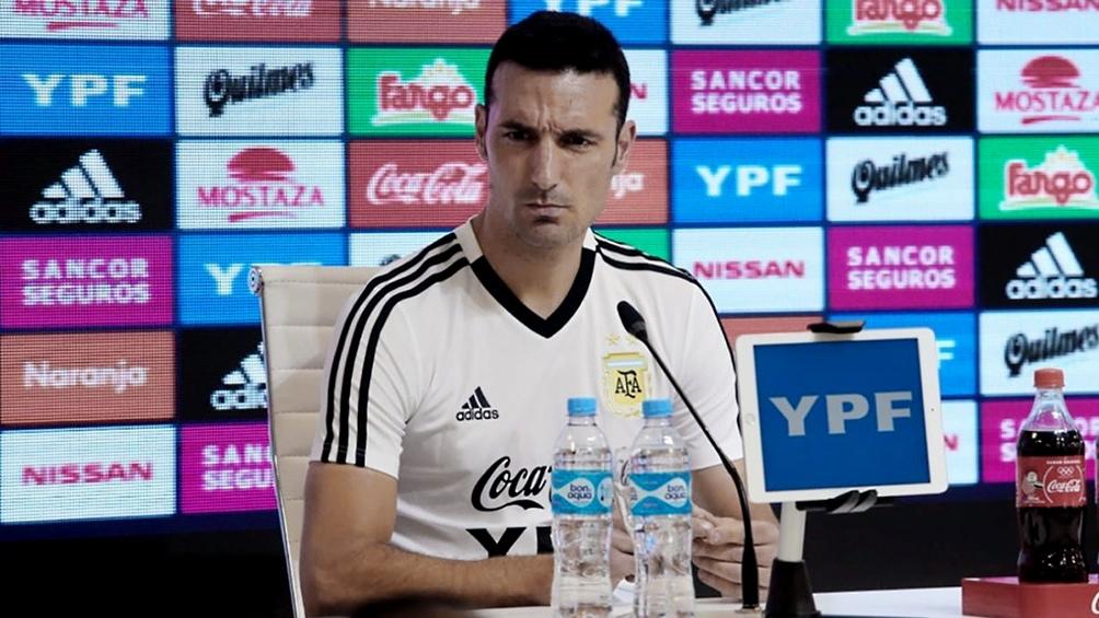 Scaloni piensa en cómo jugará Argentina, que tendrá tres encuentros en esta fecha de Eliminatorias. Foto-archivo