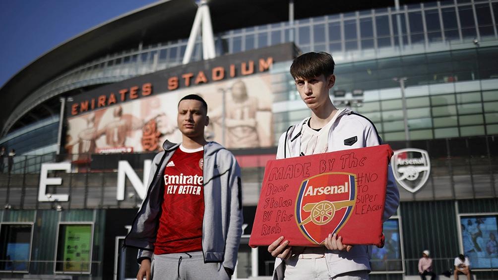 Los hinchas de los clubes se movilizaron para pedir que no se arme una nueva liga (Archivo AFP).
