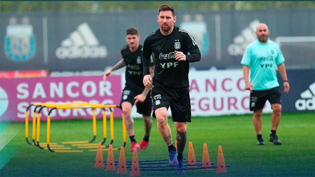 Messi y De Paul, en el entrenamiento de la Selección (@seleccionargentina).